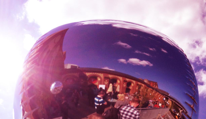 Paralleluniversum re:publica, Spiegelnder Luftballon, Foto: Ocular Online